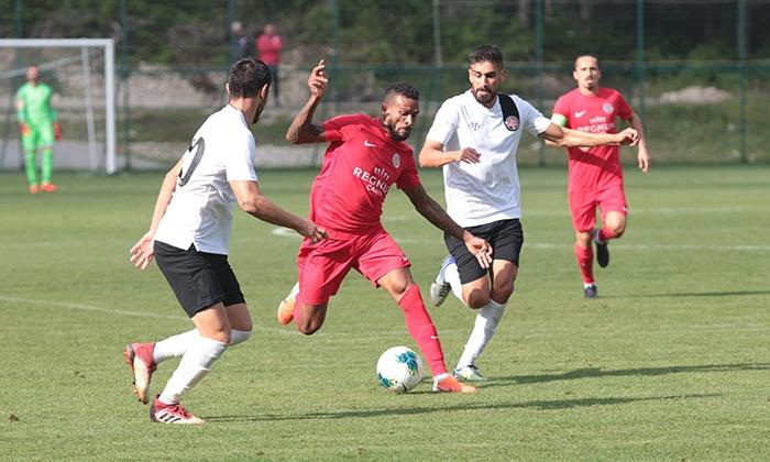 Antalyaspor-Fatih-Karagumruk-3