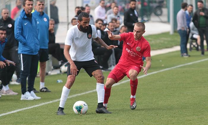 Antalyaspor-Fatih-Karagumruk-4