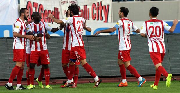 Antalyaspor Zirveye Ortak