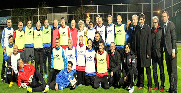 Antalya'nın Tanınmış Yüzleri Futbol Maçında Buluştu