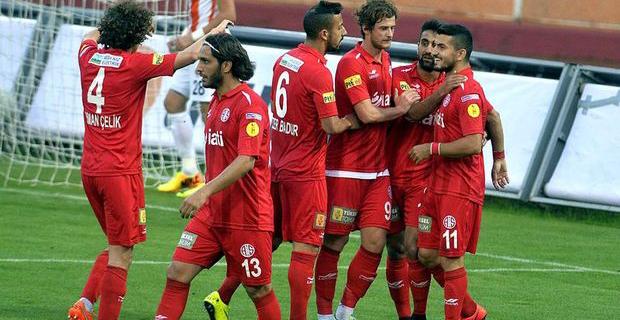 Antalyaspor Playoff Umudunu Korudu