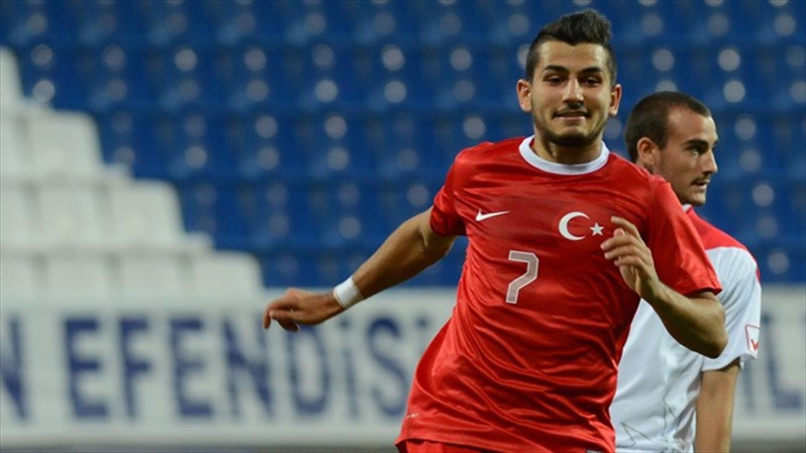 Antalyasporlu Futbolcuya Beşiktaş Talip