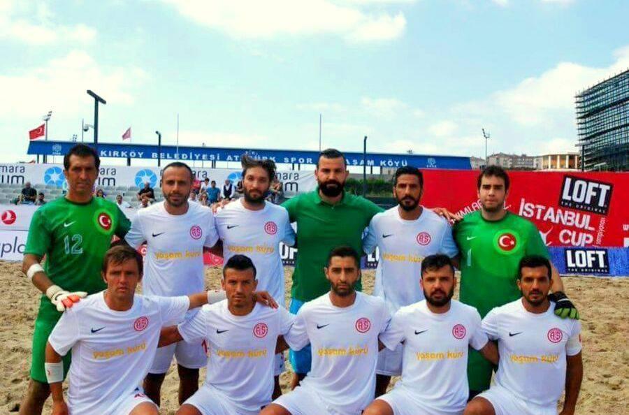 Antalyaspor Plaj Futbol Takımı Devlerle Kapıştı