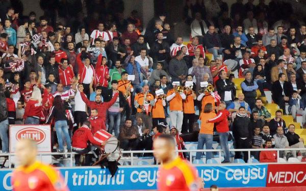 Antalyaspor Bandosu Destek Bekliyor