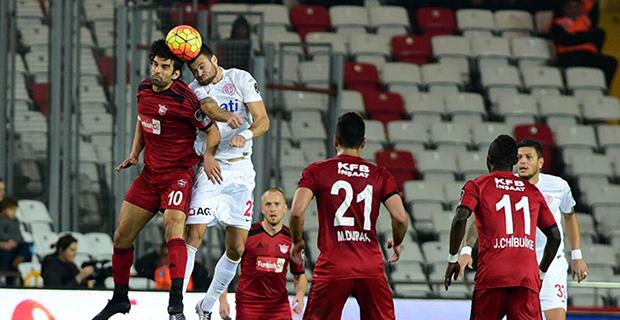 Antalyaspor Devreyi Sessiz Kapadı: 0-0