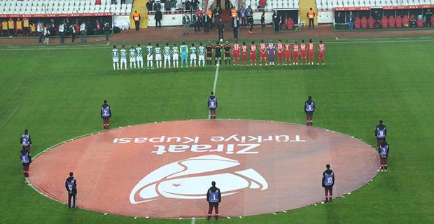Antalya Arena Zemini Yine Problem Yarattı