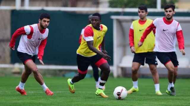 Antalyaspor 10 Eksikle Çalıştı