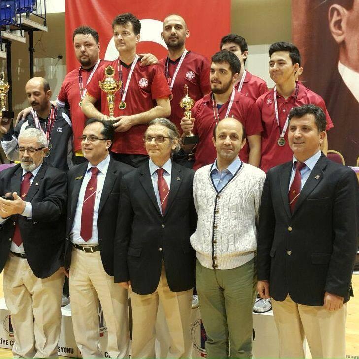 Masa Tenisinde Birinci Antalyaspor