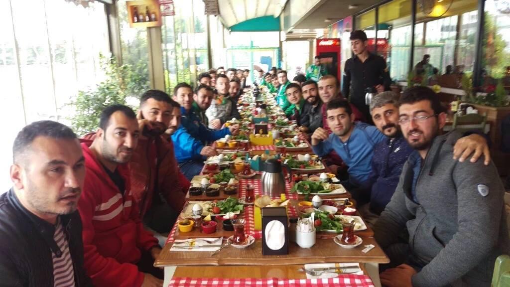 07 Gençlik'ten Bursaspor Taraftarına Kahvaltı