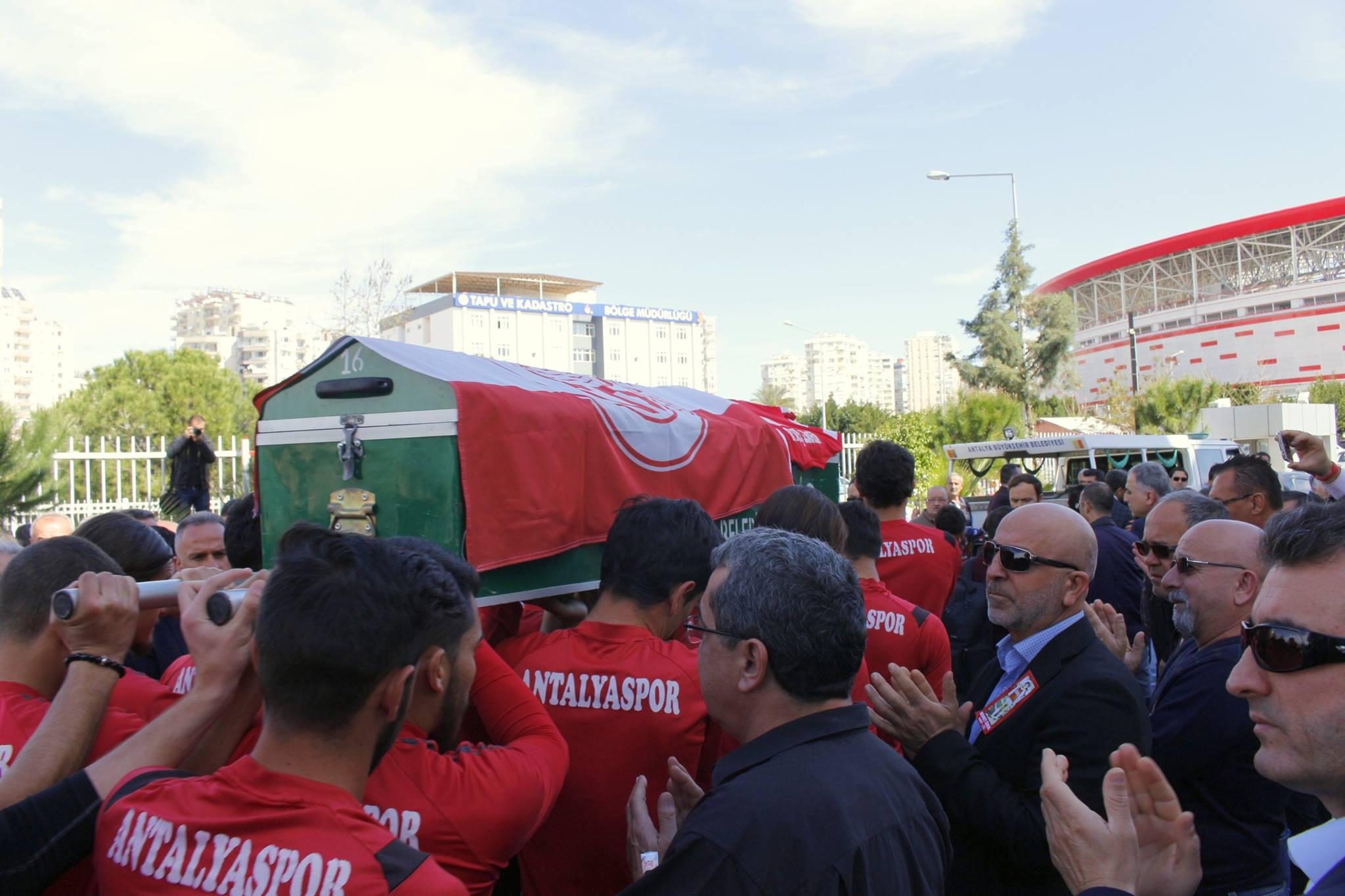 Mehmet Özkul'a Kulüpte Tören Düzenlendi