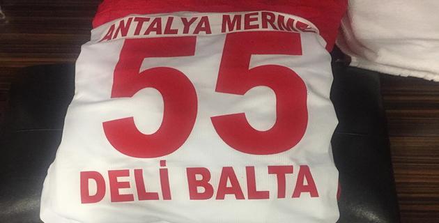 Oktay, Antalyaspor İle İlk Lig Maçına Çıktı