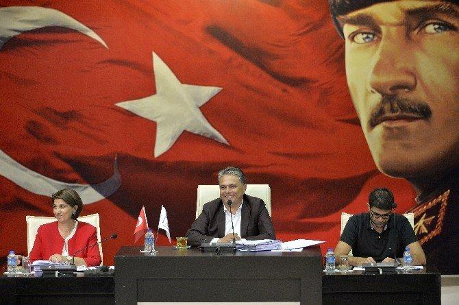 Uysal'dan Antalyaspor'a Transfer Çağrısı