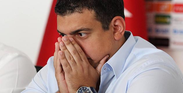 Ali Şafak Öztürk Görevi Bırakıyor