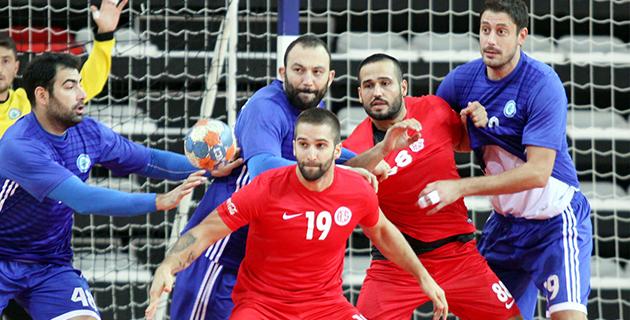 Antalyaspor Yenilmezliğini Sürdürdü