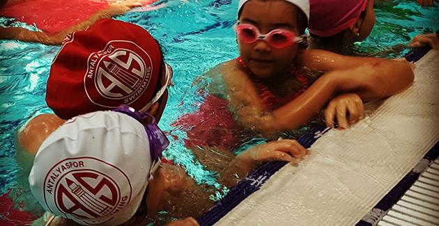 Yüzme Kursu Kayıtları Devam Ediyor