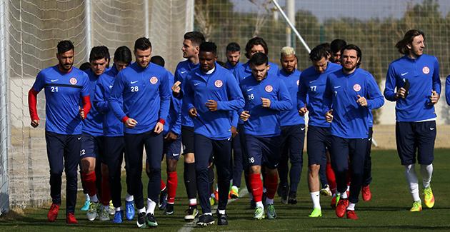 Antalyaspor Cuma Günü Yola Çıkıyor