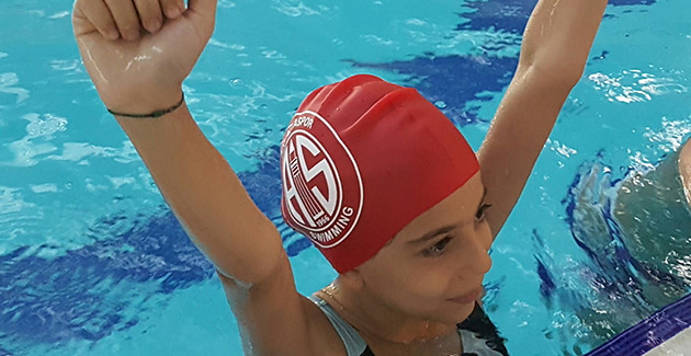 Yüzücüler İzmir'de Göz Doldurdu