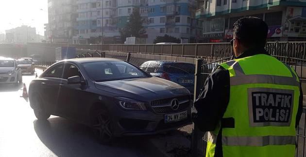 Deniz Kadah Trafik Kazası Yaptı
