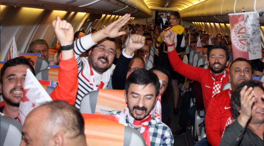 Antalyaspor Uçağında Büyük Sevinç