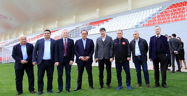 Antalyaspor'a Terim ve Demirören'den Ziyaret