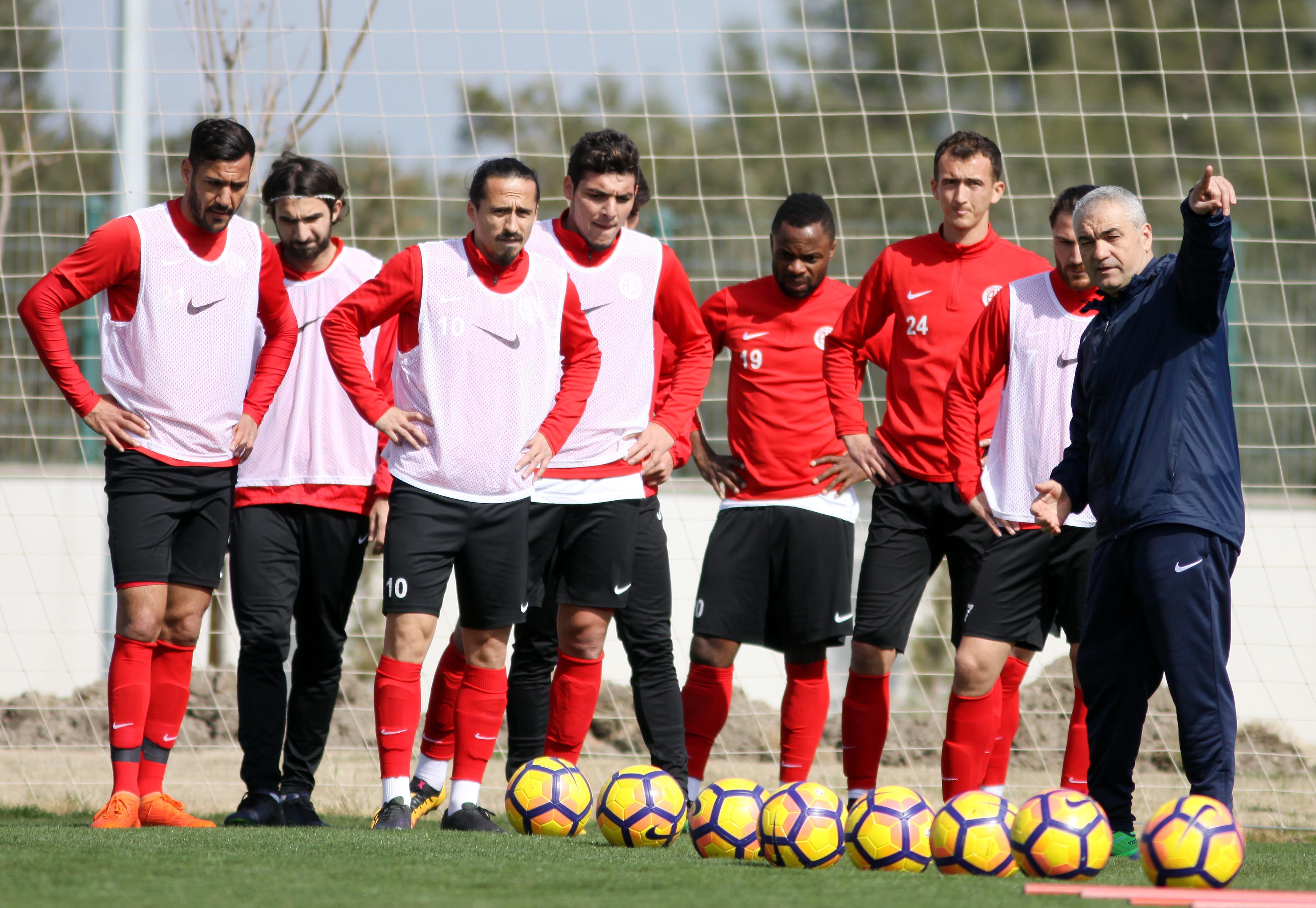 Antalyaspor'da Galatasaray Hazırlıkları Sürüyor