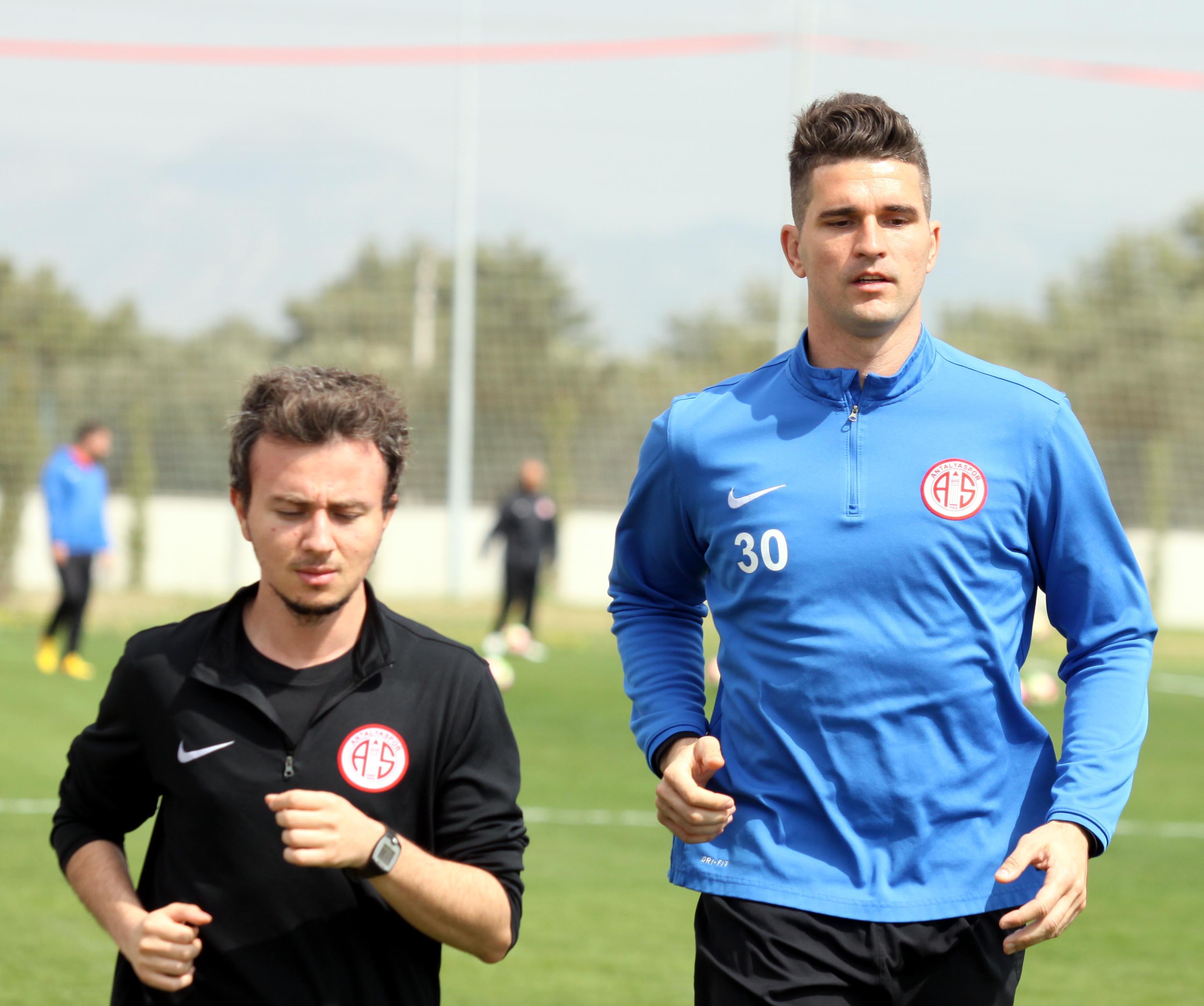 Antalyaspor'da İki Eksik