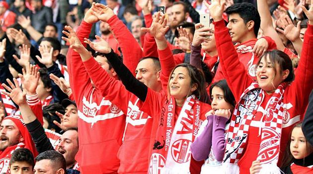 Antalyaspor Kadın Taraftar Sayısında Altıncı