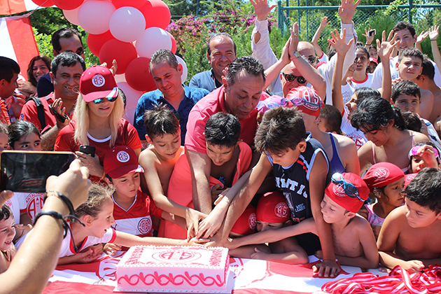 Antalyaspor Spor Okulunda 51. Yaş Kutlandı