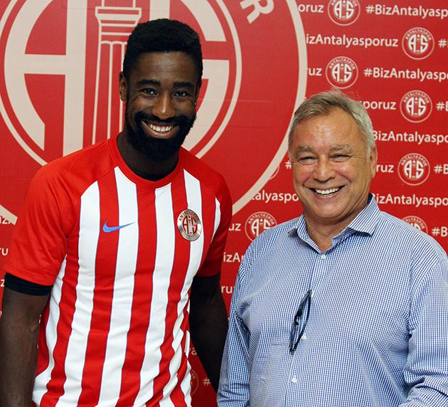 Antalyaspor Djourou İle İmzaladı