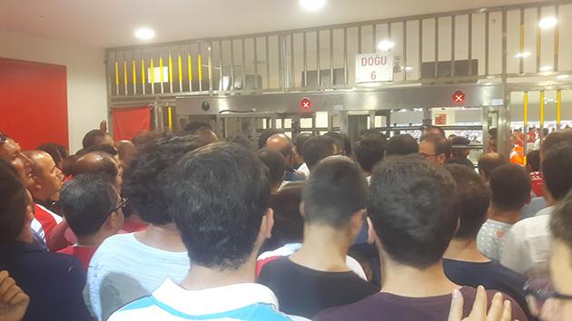 Antalya Stadyumu'nda Passolig Krizi