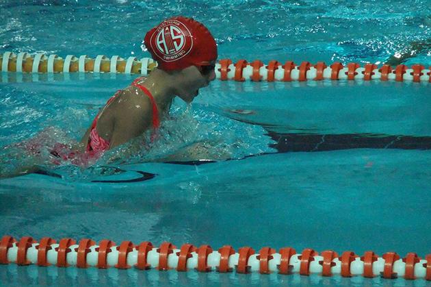 Minik Yüzücülerden Yeni Başarı