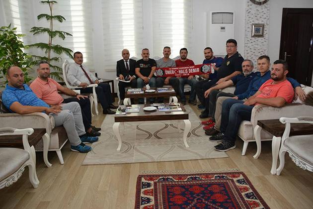 Taraftarlardan  Emniyet Müdürü Uzunkaya'ya Ziyaret