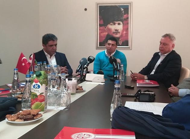 Ali Şafak Öztürk'ten Derneğe Sert Çıkış
