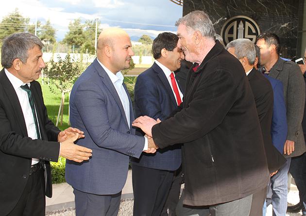 Antalyaspor'a Serikli Muhtarlardan Ziyaret