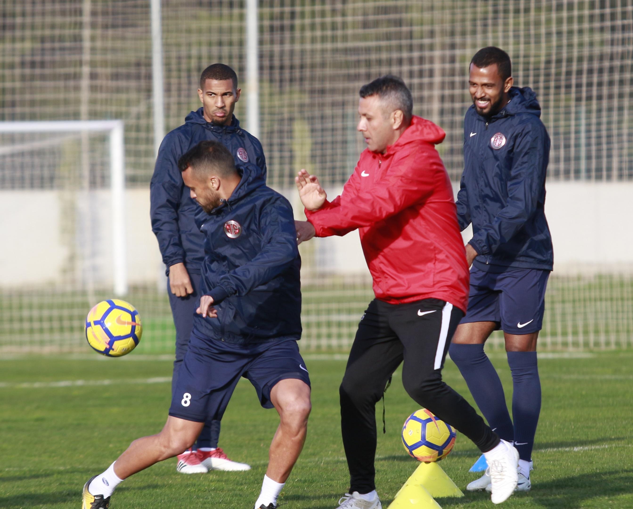 Sivasspor Maçının Taktik Hazırlıkları Sürüyor