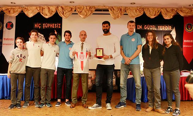 TED Antalya Koleji Basketbol Takımını Ağırladı