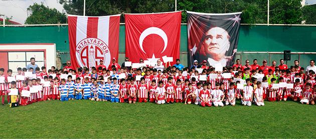 Antalyaspor Futbol Okulları Turnuvada Buluştu