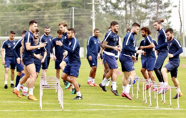 Antalyaspor, Konyaspor'a Bileniyor