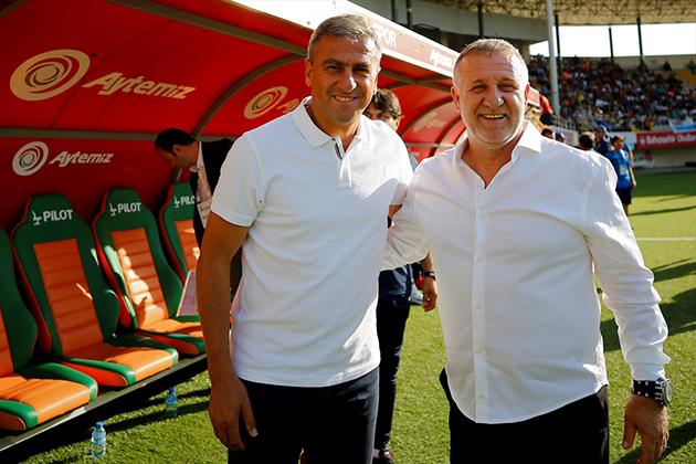 """Hamzaoğlu: """"Antalyaspor Tarihinin En Zor Sezonlarından Birisiydi"""""""