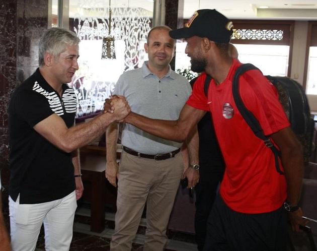 Antalyaspor'u Hollanda'ya Yöneticiler Uğurladı