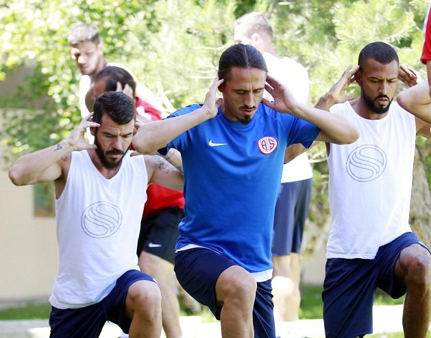 Antalyaspor Erzurum'da Kuvvet Çalıştı