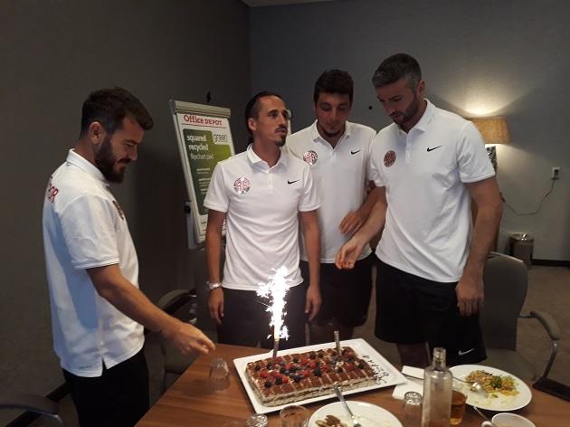 Serdar Özkan'ın Doğum Günü Kutlandı