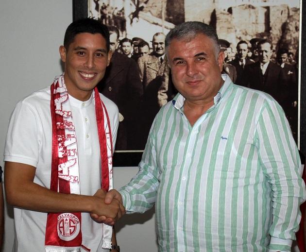 Antalyaspor Faslı Orta Saha Oyuncusuyla Anlaşmaya Vardı