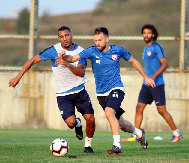 Antalyaspor Son Hazırlığını Başakşehir'de Yaptı