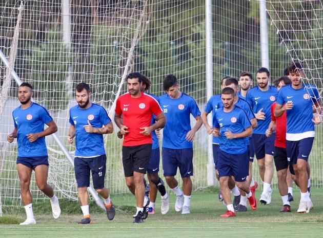 Kırmızı-Beyazlılar, Beşiktaş Maçının Hazırlıklarına Başladı