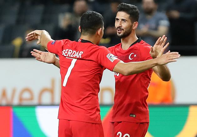 Antalyaspor'un Eski Oyuncularından Emre Akbaba Polemiği