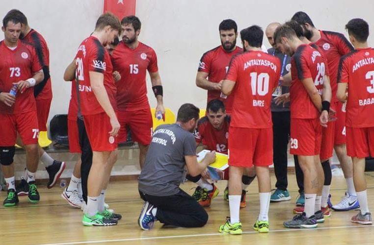 Antalyaspor Hentbol Takımı Oleg İle Anlaştı