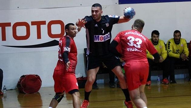 Antalyaspor Deplasmanda Kayıp: 27-30