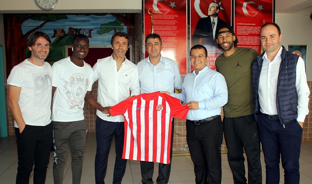 Antalyaspor'dan Killik Ortaokulu'na Ziyaret