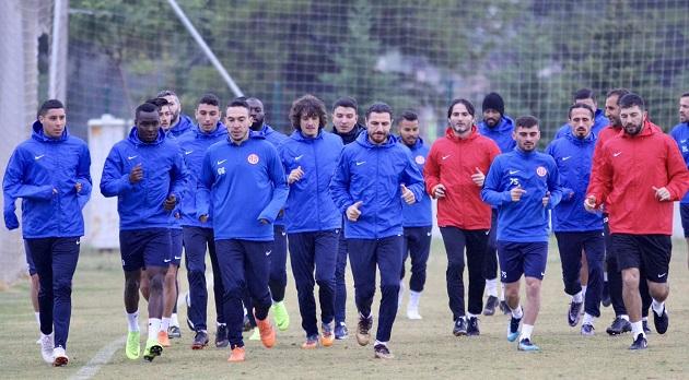 Antalyaspor'da Pazar Mesaisi
